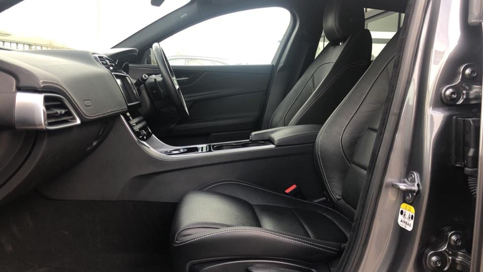 Jaguar XE R-SPORT image 3