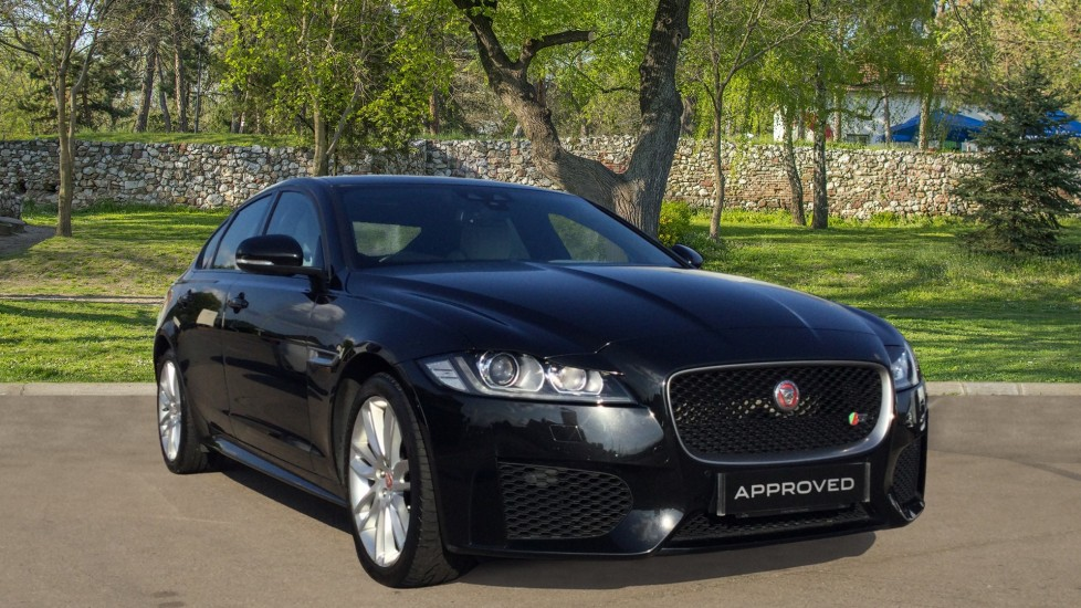 Jaguar XF 3.0 V6 Supercharged S - 8 inch touchscreen display - Automatic 4 door Saloon