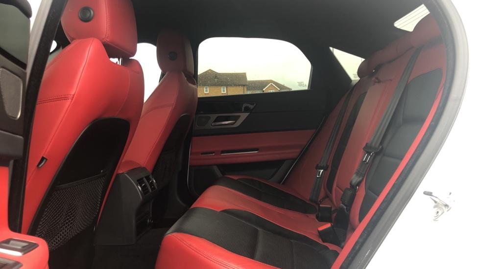 Jaguar XF 3.0d V6 S image 4