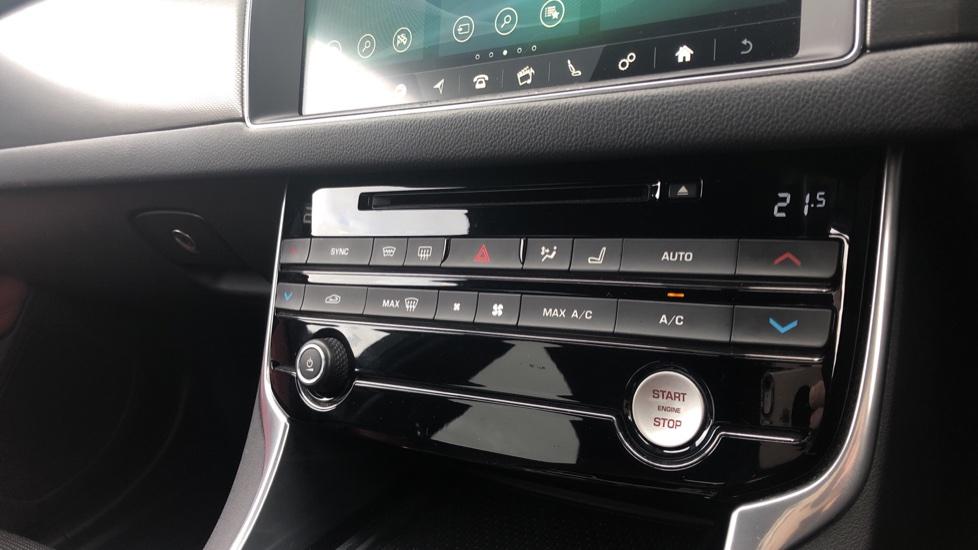 Jaguar XF 3.0d V6 S image 31
