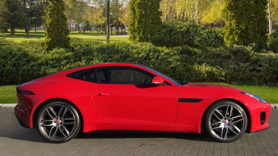 Jaguar F-TYPE 3.0 [380] Supercharged V6 R-Dynamic AWD with Panoramic Roof and 20 inch alloys image 5