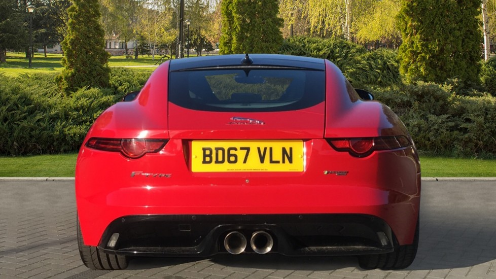 Jaguar F-TYPE 3.0 [380] Supercharged V6 R-Dynamic AWD with Panoramic Roof and 20 inch alloys image 6