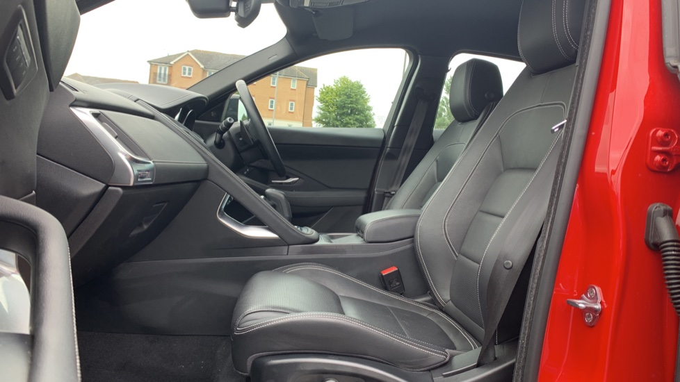 Jaguar E-PACE 2.0d 180 R-Dynamic SE Front and Rear Parking aid and Rear camera image 3