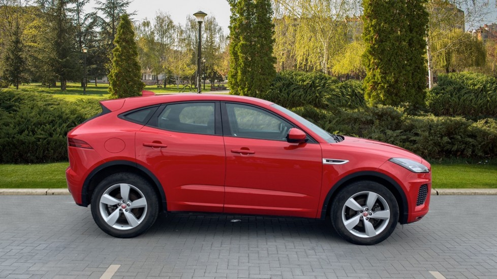Jaguar E-PACE 2.0d 180 R-Dynamic SE Front and Rear Parking aid and Rear camera image 5