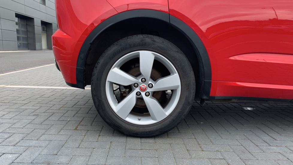 Jaguar E-PACE 2.0d 180 R-Dynamic SE Front and Rear Parking aid and Rear camera image 8