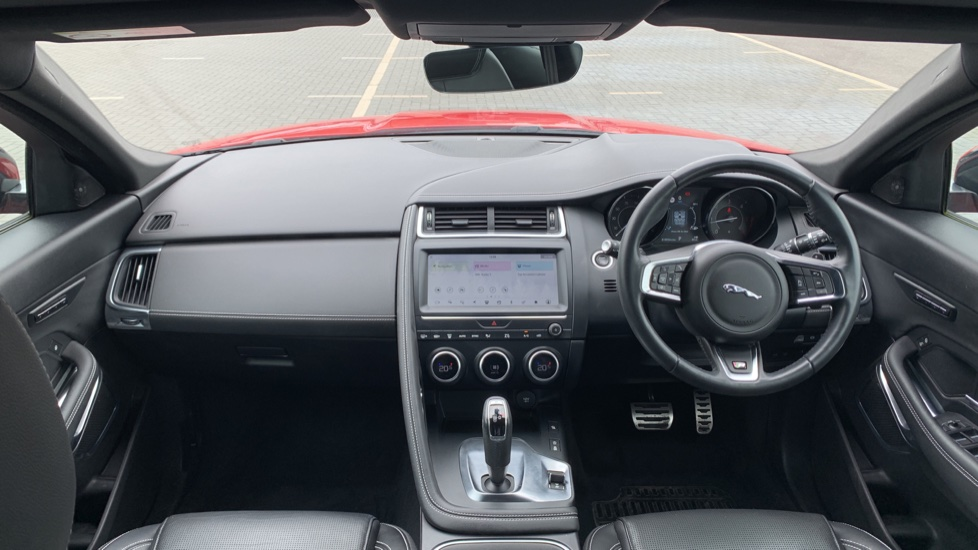 Jaguar E-PACE 2.0d 180 R-Dynamic SE Front and Rear Parking aid and Rear camera image 9