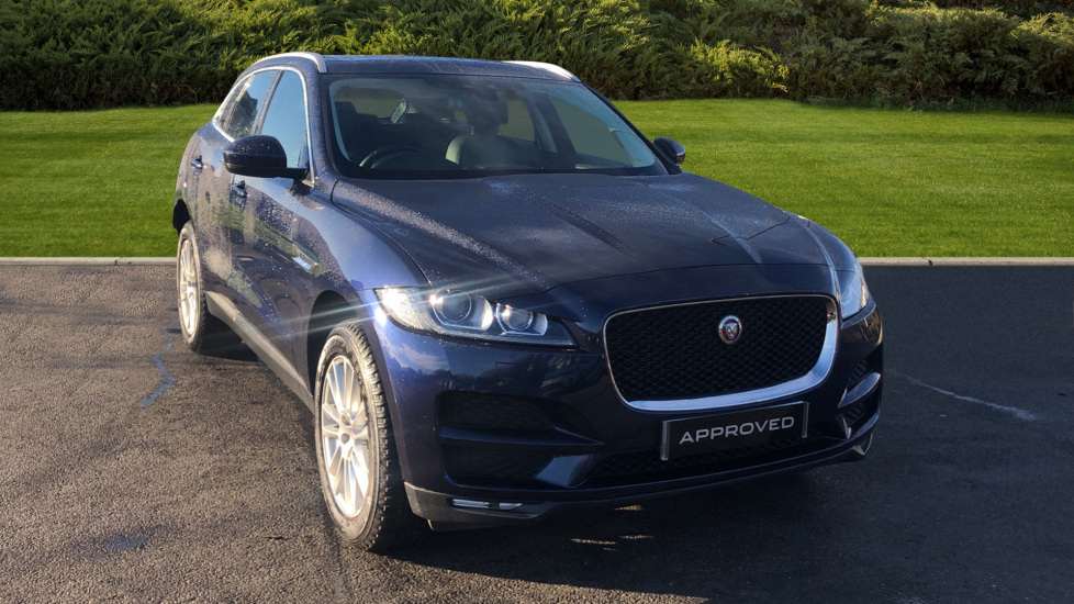 Jaguar F-PACE 2.0d Portfolio 5dr Diesel Estate (2016) image