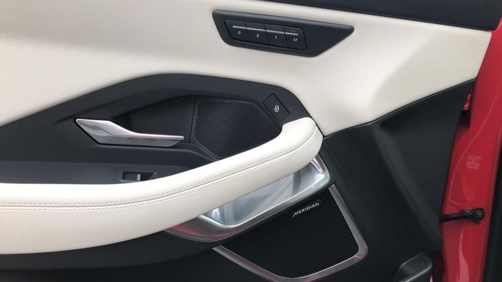 Jaguar E-PACE 2.0d [180] R-Dynamic SE with Rear camera, Meridian Sound System image 11