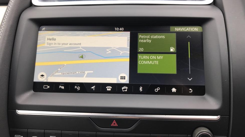 Jaguar E-PACE 2.0d [180] R-Dynamic SE with Rear camera, Meridian Sound System image 17