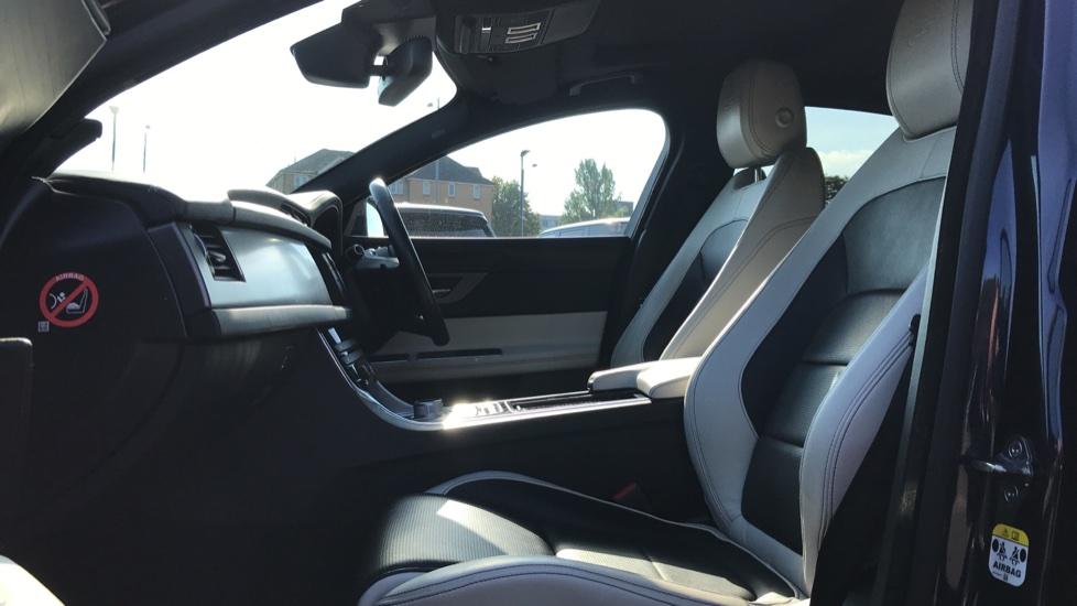 Jaguar XF 3.0d V6 S image 3