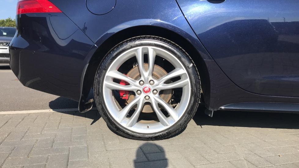 Jaguar XF 3.0d V6 S image 8