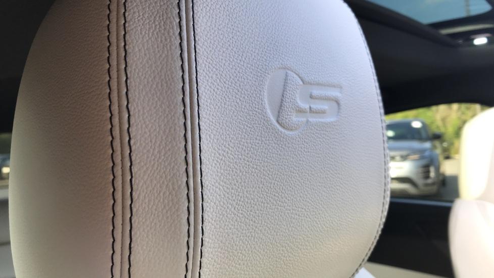 Jaguar XF 3.0d V6 S image 22