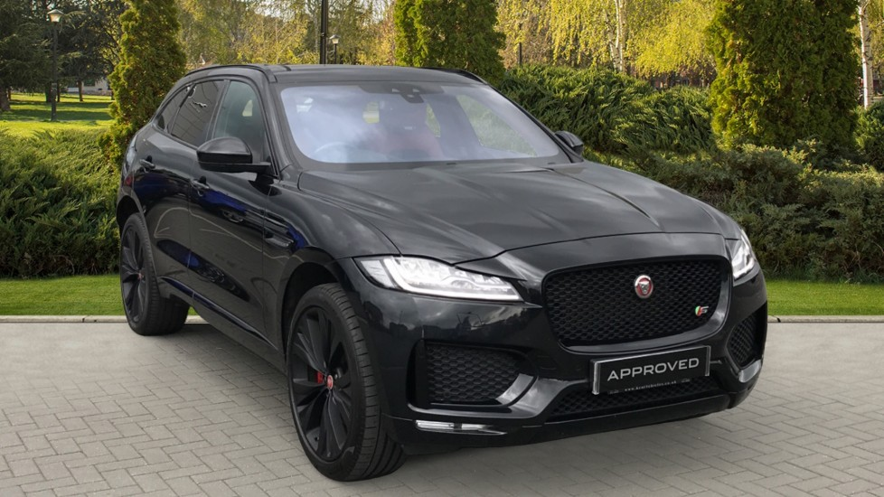 Jaguar F-PACE 3.0 Supercharged V6 S AWD with rear camera and sliding pan roof Automatic 5 door Estate