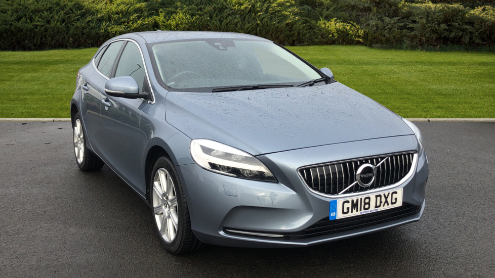 Volvo V40 T2 [122] Inscription 5dr 2.0 Hatchback (2018) image
