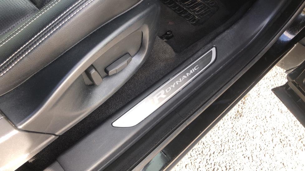 Jaguar E-PACE 2.0 [200] R-Dynamic S 5dr image 21