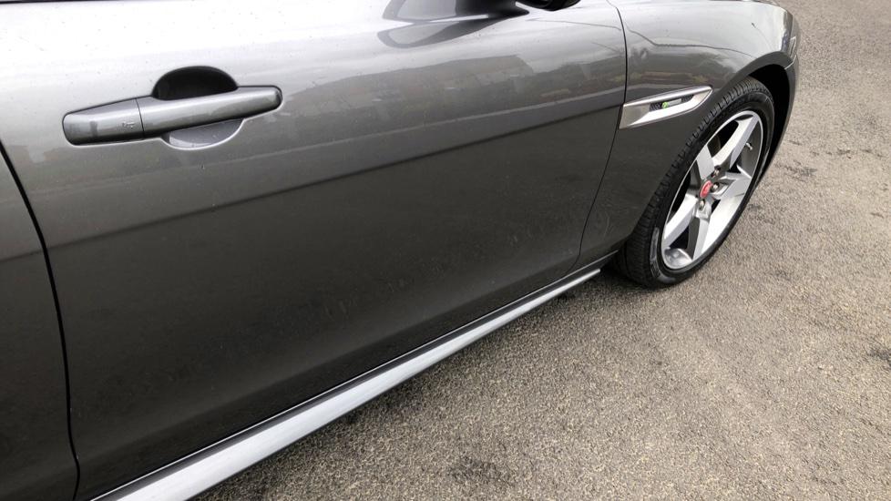 Jaguar XE 2.0d [180] R-Sport image 14