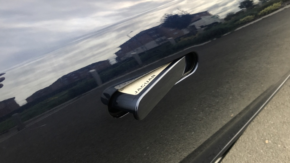 Jaguar F-TYPE 3.0 [380] Supercharged V6 R-Dynamic 2dr image 12