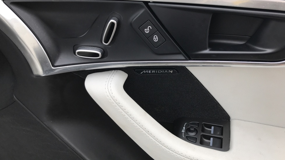 Jaguar F-TYPE 3.0 [380] Supercharged V6 R-Dynamic 2dr image 13