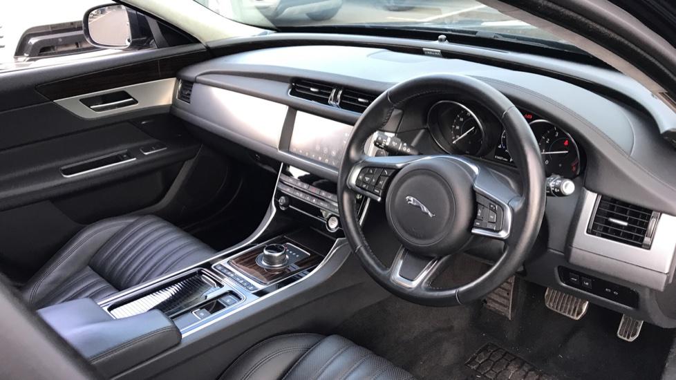Jaguar XF Sportbrake 2.0i Portfolio 5dr image 22