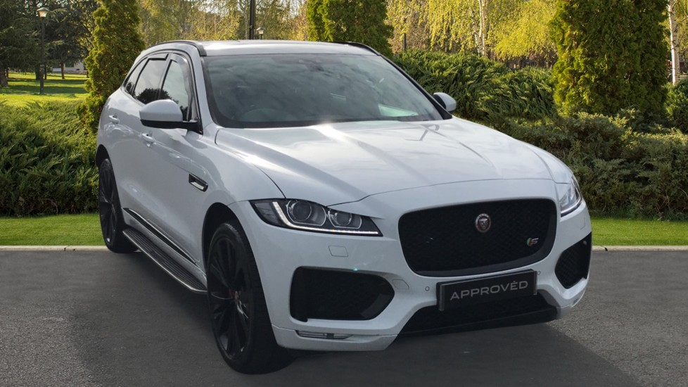 Jaguar F-PACE 3.0d V6 S AWD Towbar-Electric Deployable Sliding Panoramic Roof Diesel Automatic 5 door Estate