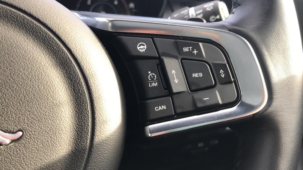 Jaguar E-PACE 2.0d [180] R-Dynamic HSE 5dr image 29