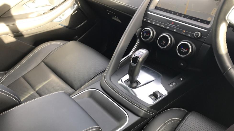 Jaguar E-PACE 2.0d [180] R-Dynamic HSE 5dr image 35