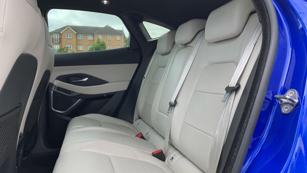 Jaguar E-PACE 2.0d [180] R-Dynamic SE with Rear camera, Meridian Sound System image 4