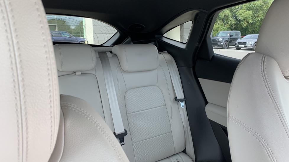Jaguar E-PACE 2.0d [180] R-Dynamic SE with Rear camera, Meridian Sound System image 21