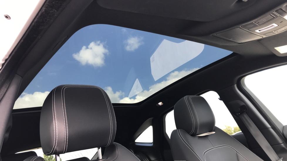 Jaguar E-PACE 2.0d [180] R-Dynamic SE 5dr image 13