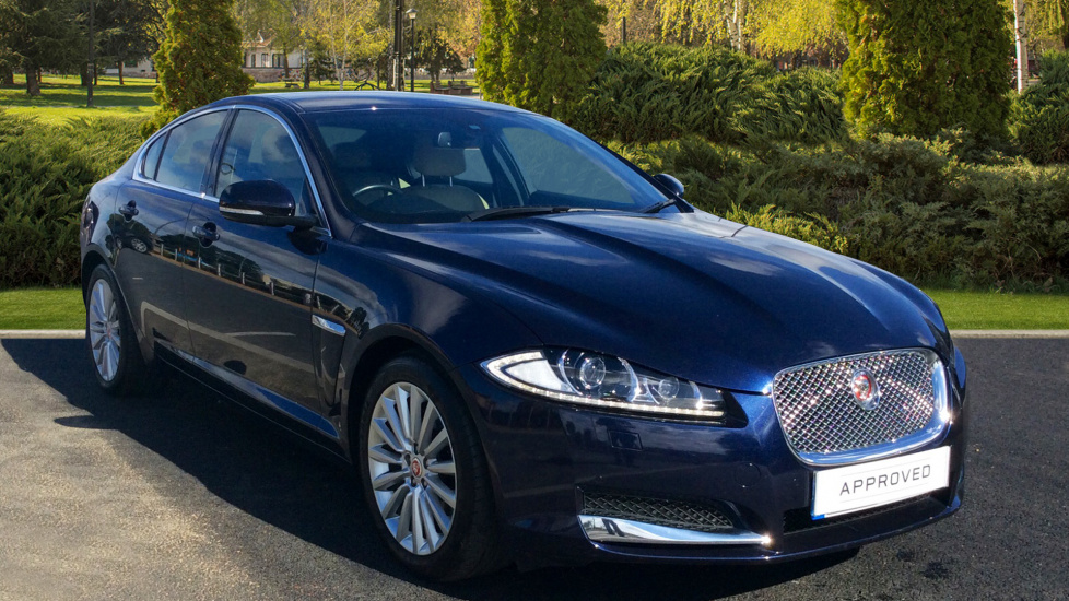 Jaguar XF 2.2d [200] Luxury Diesel Automatic 4 door Saloon (2015) image