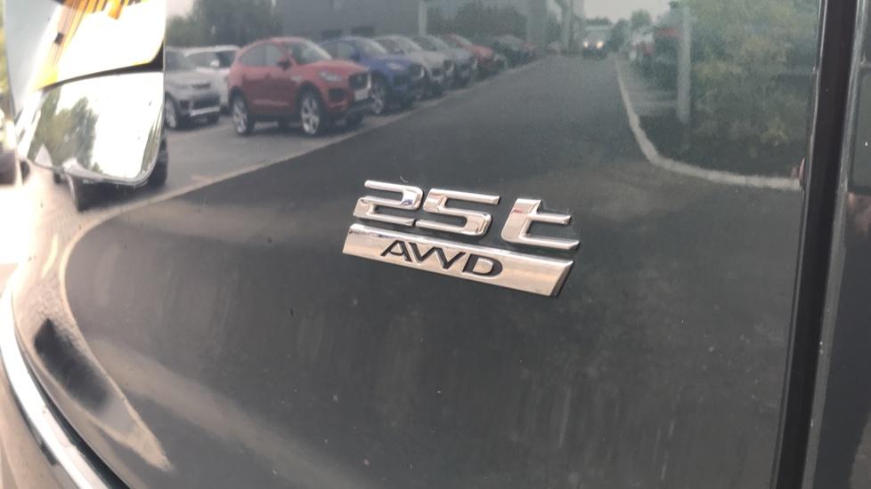 Jaguar F-PACE 2.0 Prestige 5dr AWD image 13