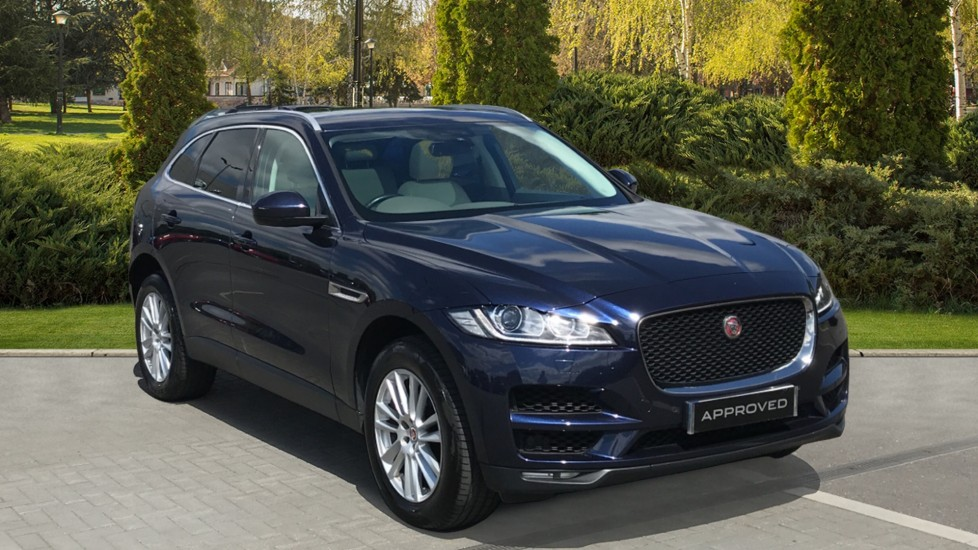 Jaguar F-PACE 2.0 Portfolio 5dr AWD - Rear Camera, Fixed Panoramic roof, Meridian Sound System, Keyless Entry Automatic Estate