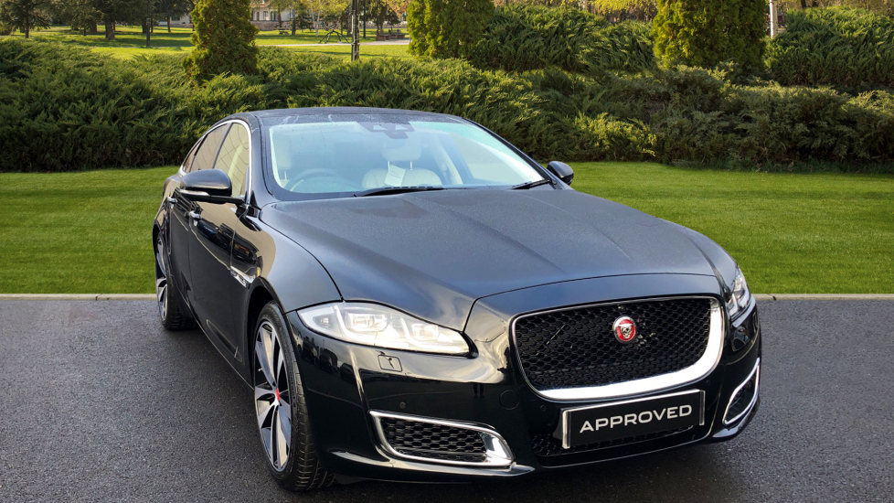 Jaguar XJ 3.0d V6 XJ50 4dr Diesel Automatic Saloon (2018) at Jaguar Swindon thumbnail image