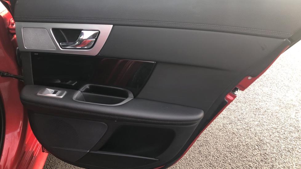Jaguar XF 2.2d R-Sport Black image 19