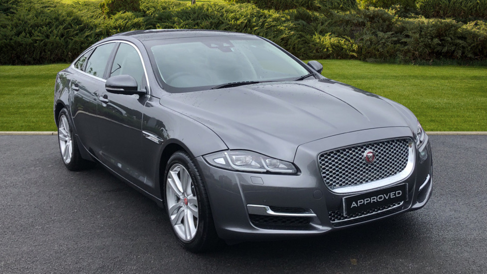 Jaguar XJ 3.0d V6 Premium Luxury Diesel Automatic 4 door Saloon (2019) image