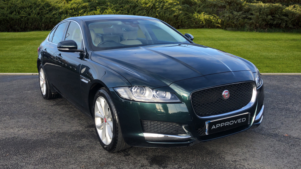 Jaguar XF 2.0d [180] Prestige Diesel Automatic 4 door Saloon (2017) at Jaguar Swindon thumbnail image