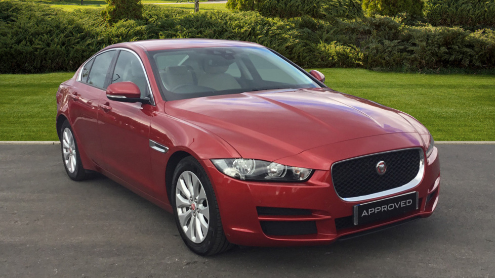 Jaguar XE 2.0d SE 4dr Diesel Saloon (2015) at Jaguar Swindon thumbnail image
