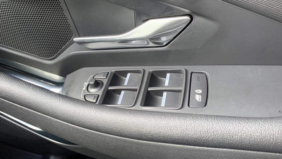 Jaguar E-PACE 2.0d 5dr image 14