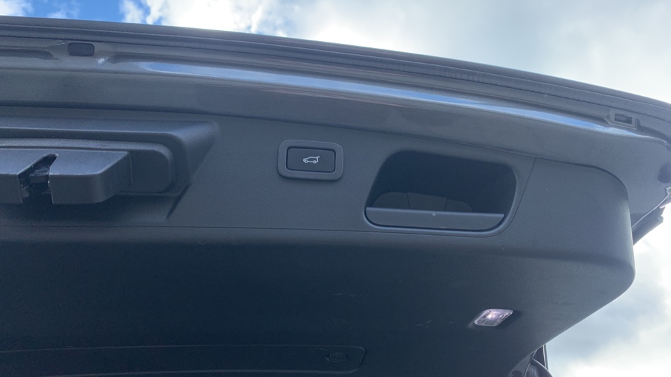 Jaguar E-PACE 2.0d 5dr image 29