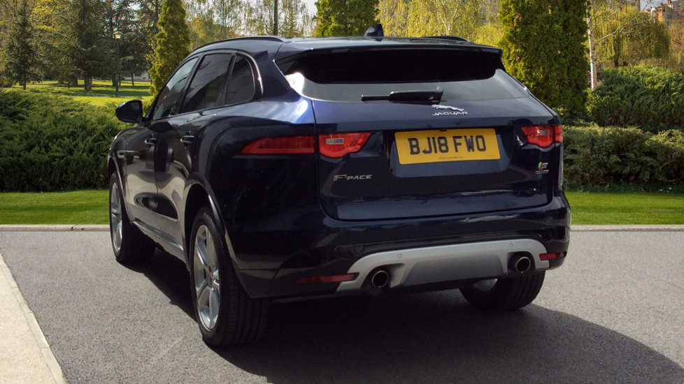Jaguar F-PACE 3.0 Supercharged V6 S 5dr AWD image 2