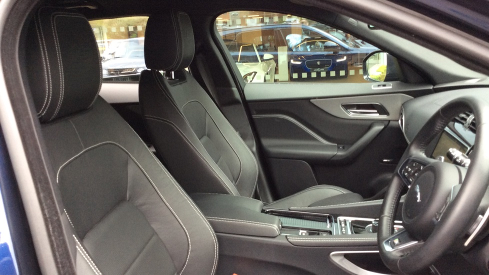Jaguar F-PACE 3.0 Supercharged V6 S 5dr AWD image 20