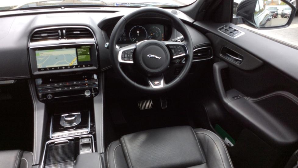 Jaguar F-PACE 3.0 Supercharged V6 S 5dr AWD image 27