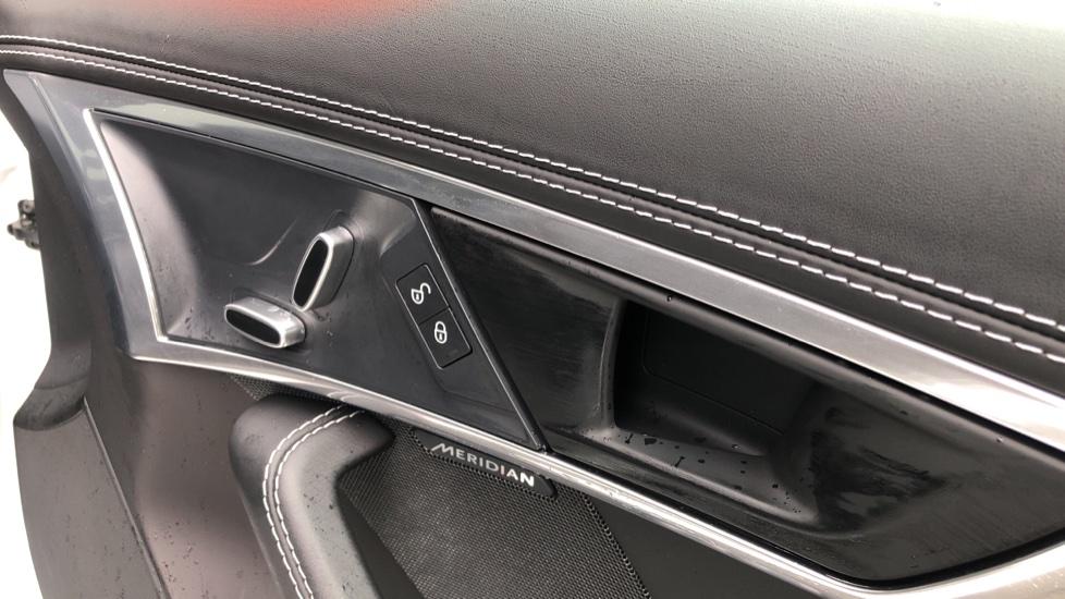 Jaguar F-TYPE 3.0 Supercharged V6 2dr Auto image 12