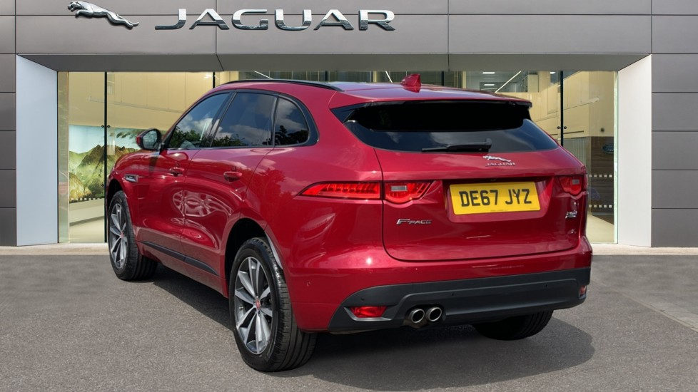 Jaguar F-PACE 2.0d R-Sport 5dr AWD Sliding Panoramic Roof and Advanced Parking Pack image 2