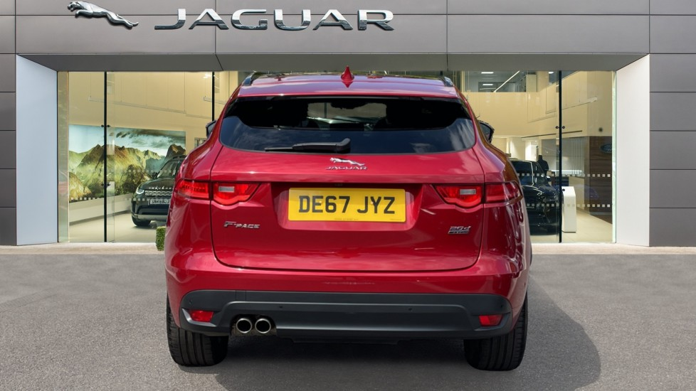 Jaguar F-PACE 2.0d R-Sport 5dr AWD Sliding Panoramic Roof and Advanced Parking Pack image 6