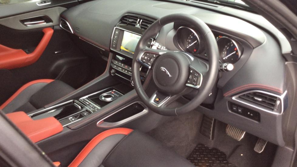 Jaguar F-PACE 3.0 Supercharged V6 S 5dr AWD image 18