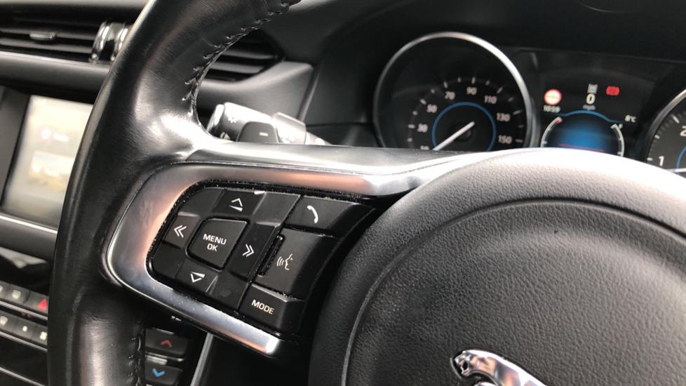 Jaguar XF 3.0d V6 S image 25
