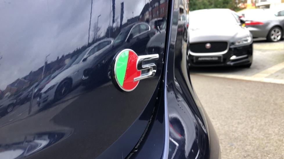 Jaguar XF 3.0d V6 S image 33
