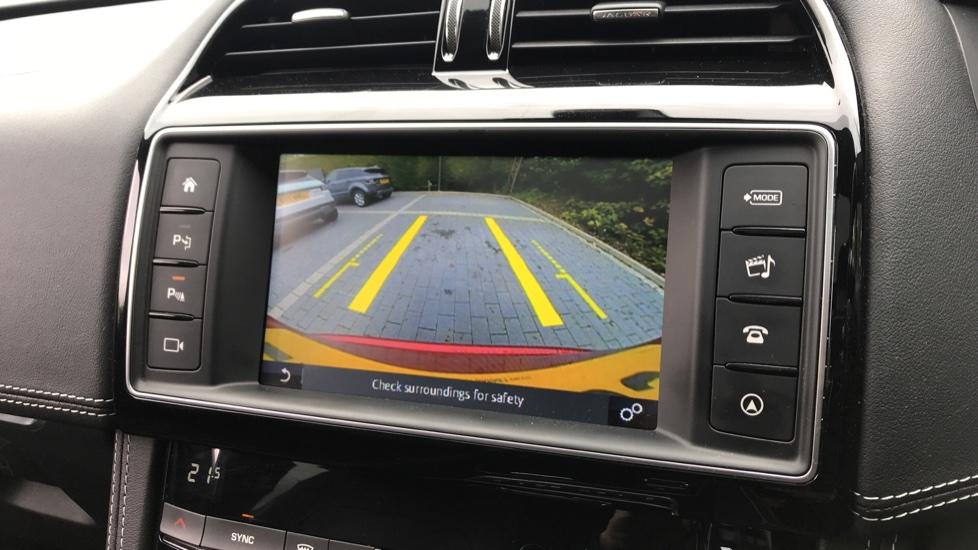 Jaguar F-PACE 2.0 R-Sport 5dr AWD image 11