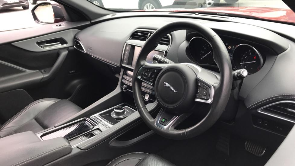 Jaguar F-PACE 2.0 R-Sport 5dr AWD image 19